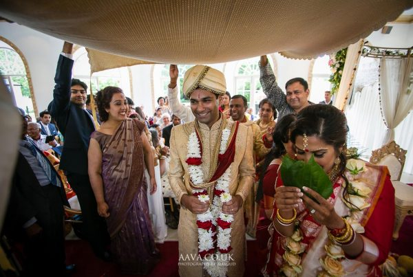 hindu-wedding-sue-gavin-northbrook-park-masoudshah - 21-_MG_9495-aava-photography-www.aava_.co_.uk-Masoud-Shah.jpg
