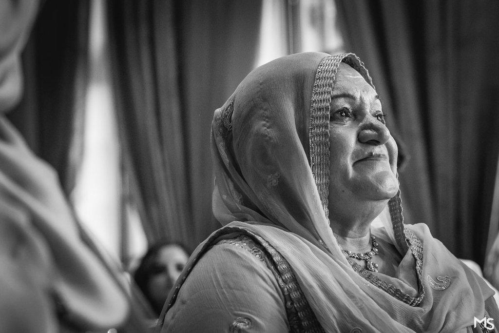 Hedsor-House-Muslim-Asian-Wedding-Photographer - 509__MG_5941_www.aava_.co_.uk_.jpg