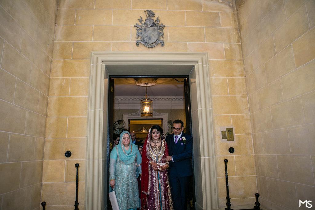 Hedsor-House-Muslim-Asian-Wedding-Photographer - 706_IMG_2923_www.aava_.co_.uk_.jpg